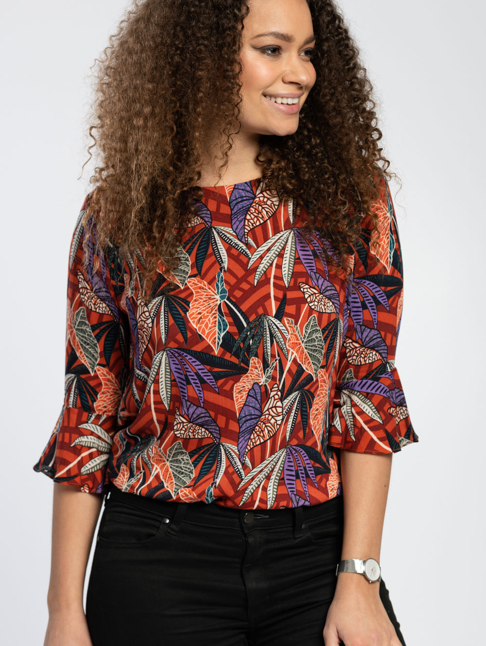 Fluted Sleeve Blouse in Vibrant Leaf